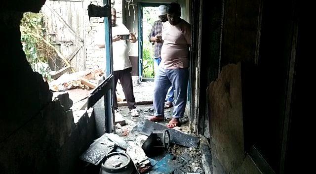 महराजगंज: सिलेंडर विस्फोट से एक ही परिवार के 6 लोग गंभीर रूप से घायल।