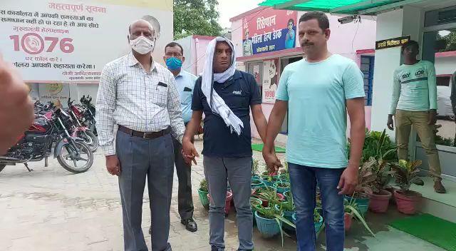हरदोई:- 10 हजार की रिश्वत लेते रिश्वतखोर लेखपाल गिरफ्तार